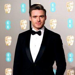 Richard Madden en la alfombra roja de los Premios BAFTA 2019