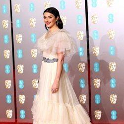 Rachel Weisz en la alfombra roja de los Premios BAFTA 2019