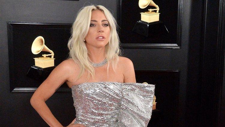 Lady Gaga en la alfombra roja de los Grammy 2019