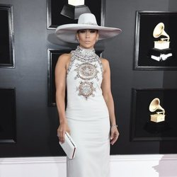 Jennifer Lopez en la alfombra roja de los Grammy 2019