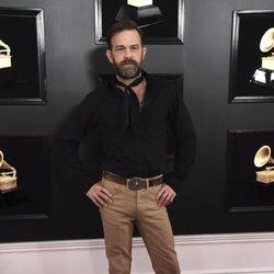 Waylon Payne en la alfombra roja de los Grammy 2019