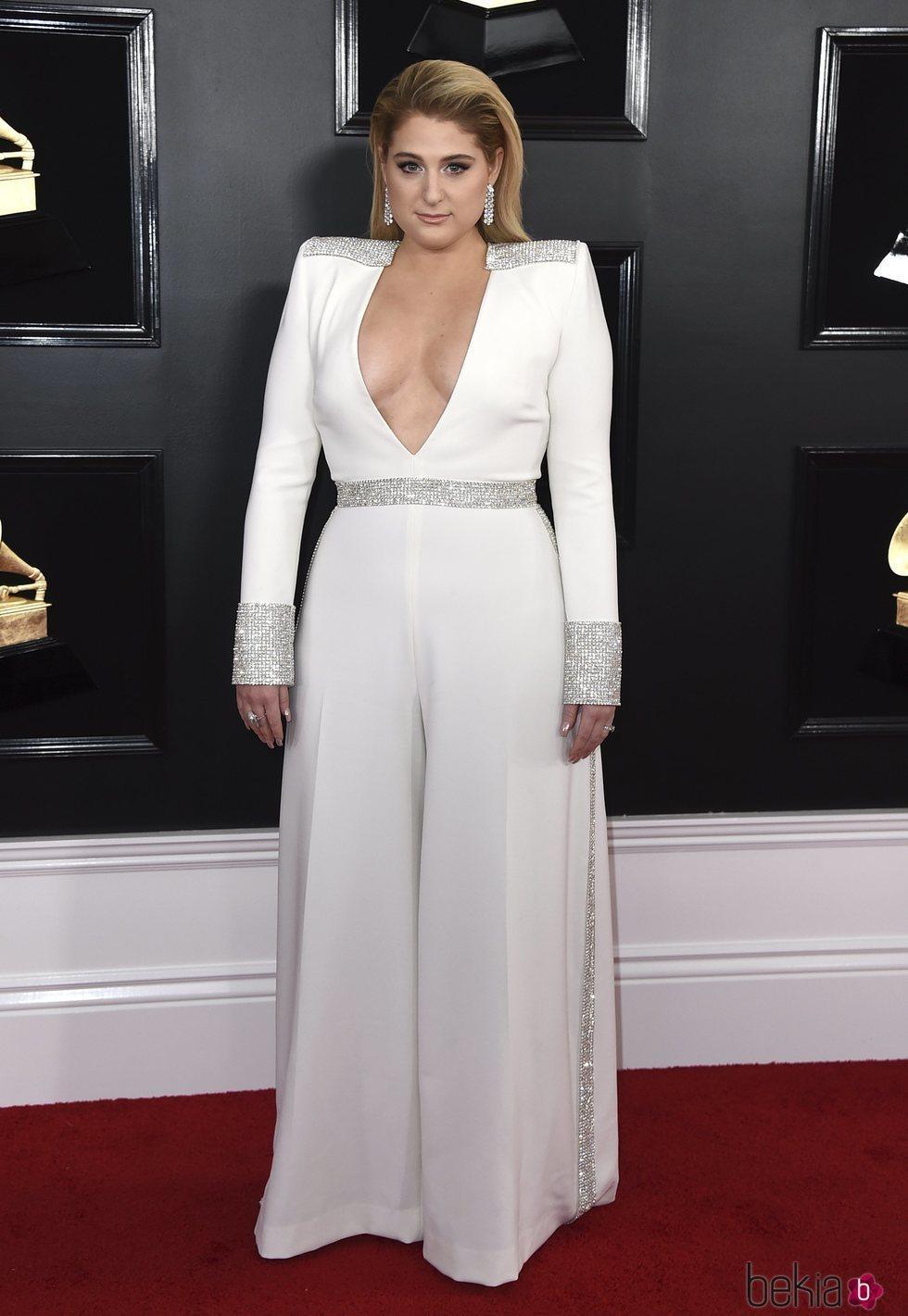 Meghan Trainor en la alfombra roja de los Grammy 2019