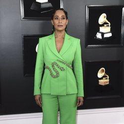 Tracee Ellis Ross en la alfombra roja de los Grammy 2019