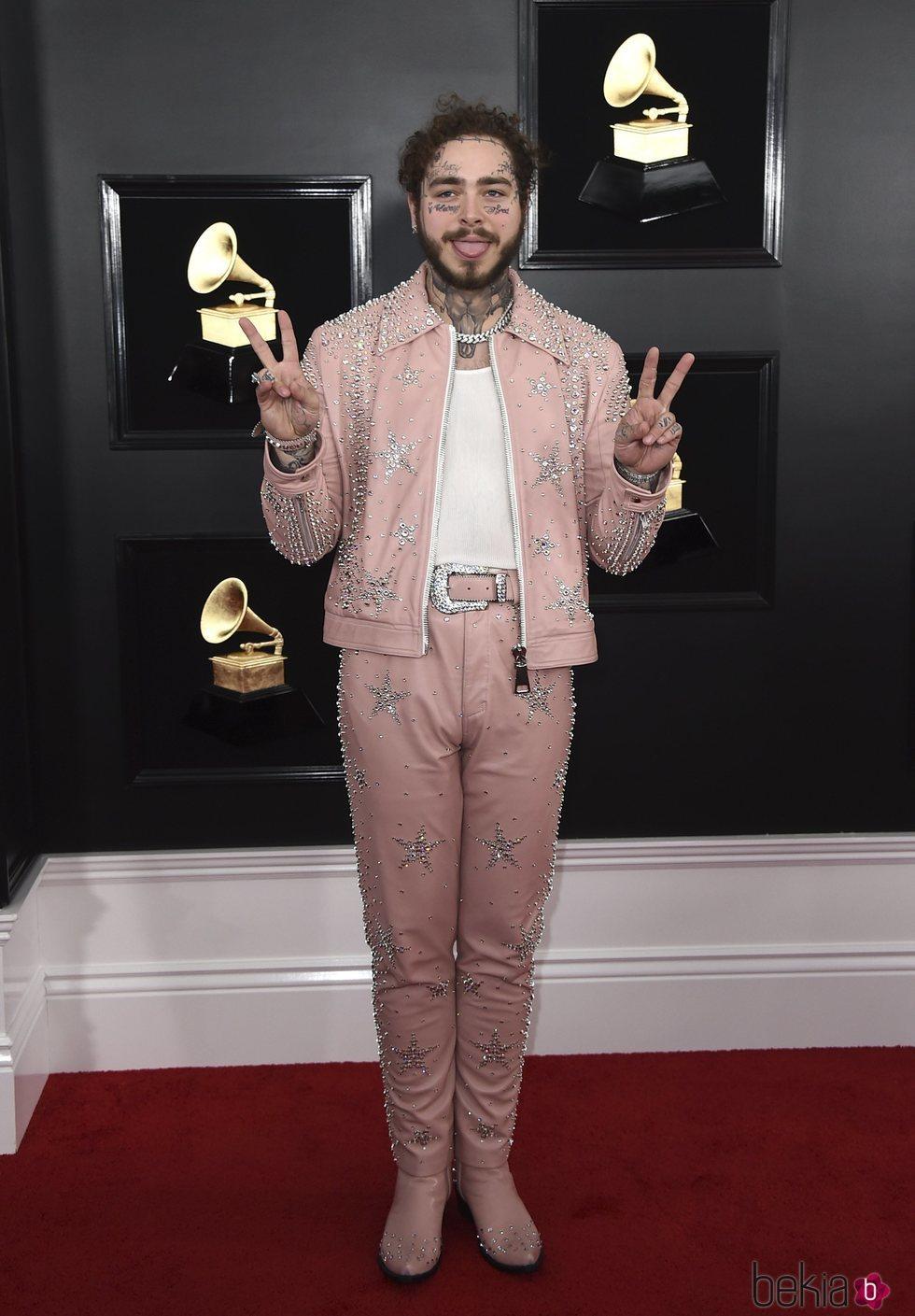 Post Malone en la alfombra roja de los Grammy 2019