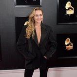 Miley Cyrus en la alfombra roja de los Grammy 2019