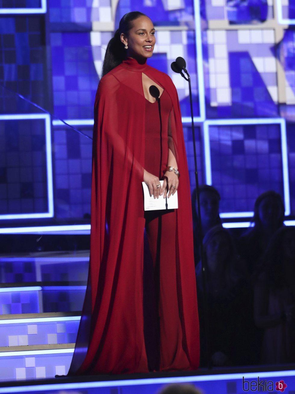 Alicia Keys ejerciendo de presentadora de los Grammy 2019