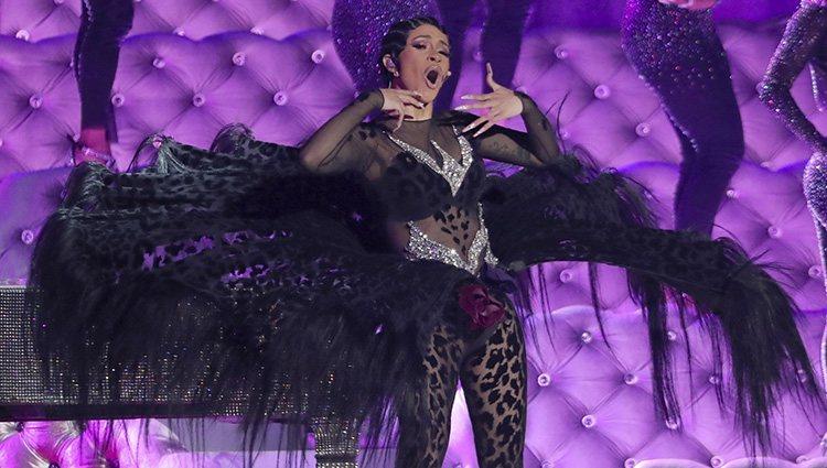Cardi B durante su actuación en los Grammy 2019