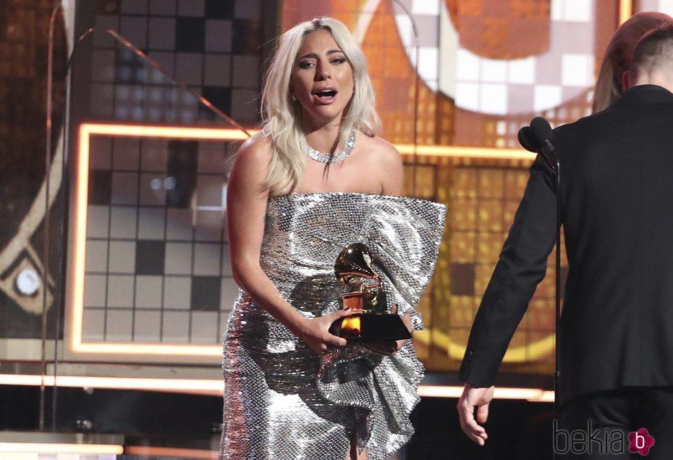 Lady Gaga, emocionada al recibir uno de sus premios en los Grammy 2019
