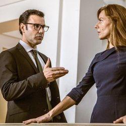 Miquel Fernádez y Miryam Gallego en una escena de 'Secretos de Estado'