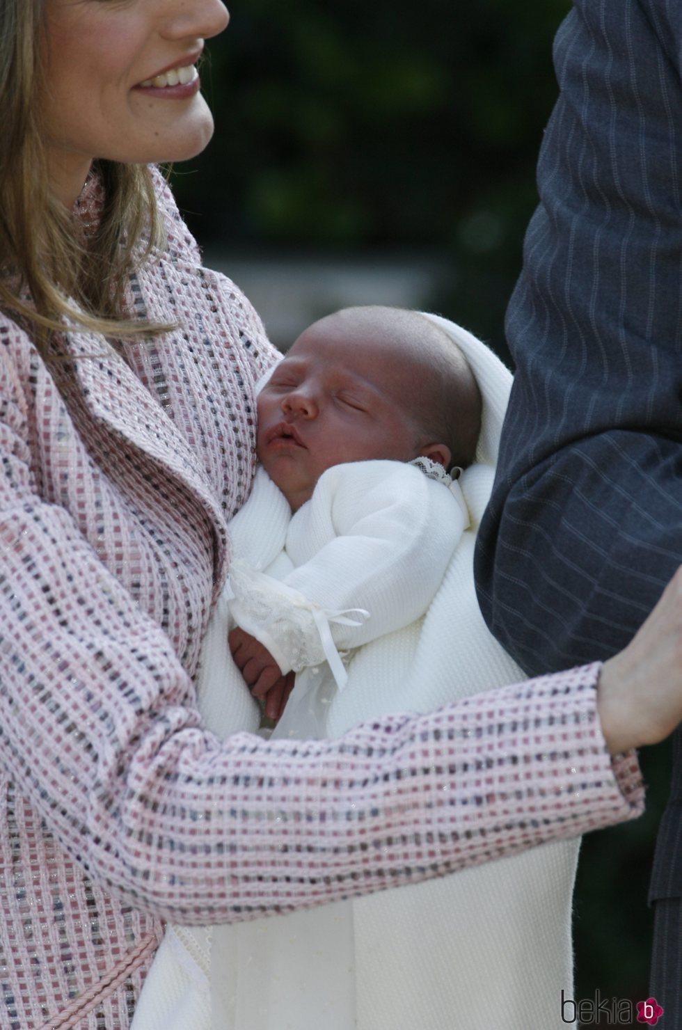 La Infanta Sofía de recién nacida