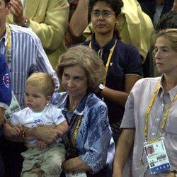 La Reina Sofía, la Infanta Cristina y Juan Urdangarin en Sydney 2000