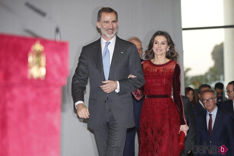Los Reyes Felipe y Letizia en la Biblioteca de Rabat durante su Viaje Oficial a Marruecos