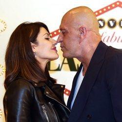 Kiko Matamoros y Cristina Pujol a punto de besarse