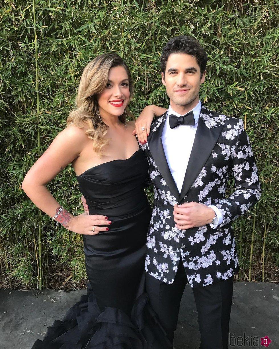 Darren Criss y su prometida preparados para los Globo de Oro