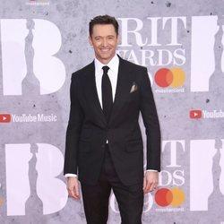 Hugh Jackman en la alfombra roja de los Brit Awards 2019