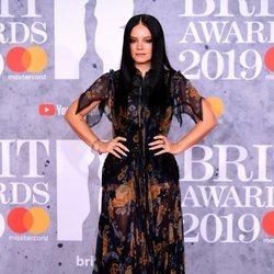 Lily Allen en la alfombra roja de los Brit Awards 2019