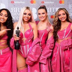 Little Mix con su premio Brit Awards 2019