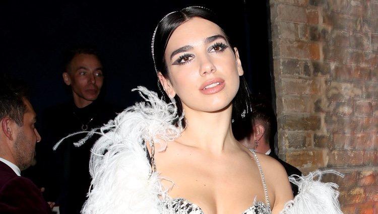 Dua Lipa en la fiesta de Warner Music tras los Brit Awards