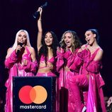 Little Mix recibiendo su premio Brit Awards 2019