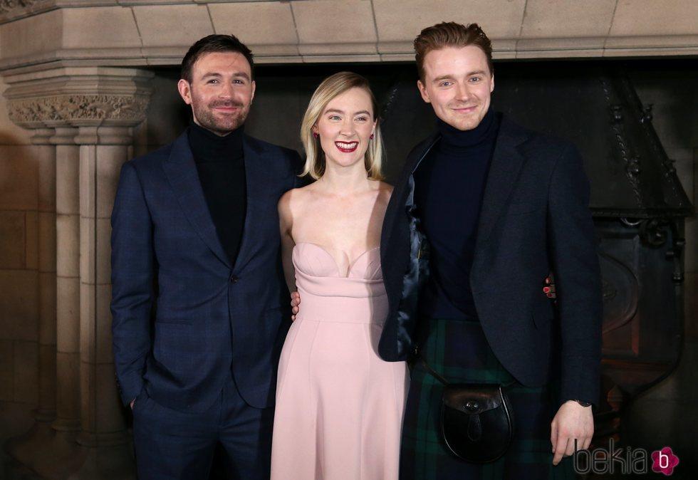 James McArdle, Jack Lowden y Saoirse Ronan en una presentación