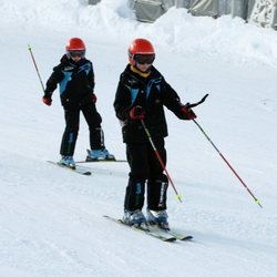 Juan Urdangarin y Pablo Urdangarin esquiando en Baqueira Beret