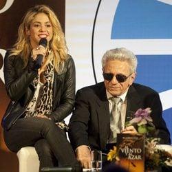 Shakira en la presentación del libro de su padre