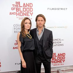 Angelina Jolie presenta con Brad Pitt 'In the Land of Blood and Honey' en Nueva York