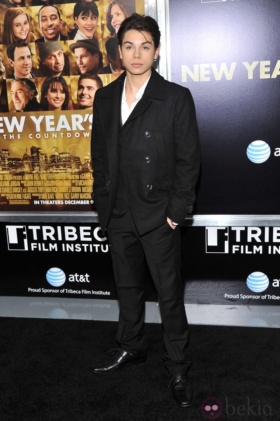 Jake T. Austin en el estreno de 'New Year's Eve' en Nueva York