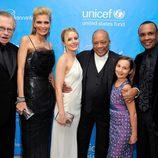 Larry King, Shaun King, Kristen Bell, Quincy Jones, Emily Bear y Sugar Ray en la Unicef Ball 2011