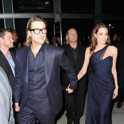 Brad Pitt y Angelina de la mano en el prestreno de 'In The Land Of Blood And Honey'