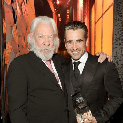 Donald Sutherland y Colin Farrell en los premios American Giving Awards