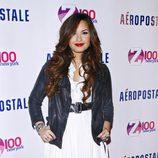 Demi Lovato posando después del concierto de los Jingle Ball 2011