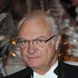 El Rey Carlos Gustavo de Suecia en el banquete de los Premios Nobel 2011