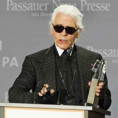 Karl Lagerfeld entrega el premio 'Menschen in Europa'