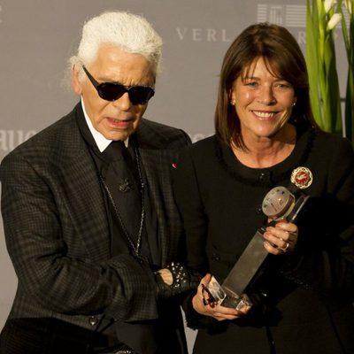 Karl Lagerfeld entrega el premio 'Menschen in Europa' a Carolina de Mónaco