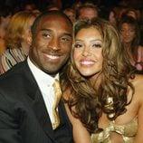 Kobe Bryant junto a su mujer Vanessa Laine
