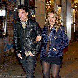 Marta López y su marido en la fiesta de Navidad 2011 de La Fábrica de la Tele