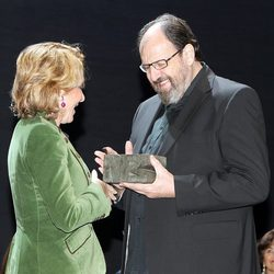 José María Pou recibe de Esperanza Aguirre el Premio de Cultura de Madrid 2011