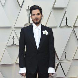 Adam Lambert en la alfombra roja de los Premios Oscar 2019