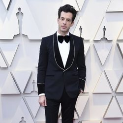 Mark Ronson en la alfombra roja de los Premios Oscar 2019