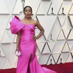 Angela Bassett en la alfombra roja de los Premios Oscar 2019