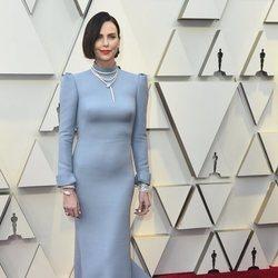 Charlize Theron en la alfombra roja de los Premios Oscar 2019