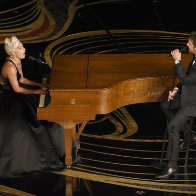 Lady Gaga y Bradley Cooper interpretando 'Shalow' durante la gala de los Premios Oscar 2019