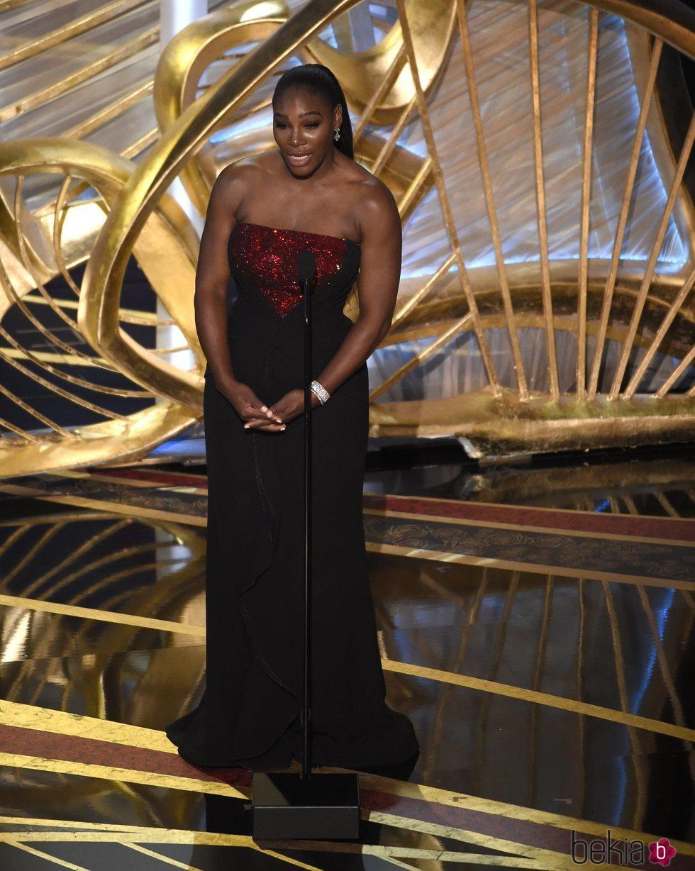 Serena Williams presentando un galardón en los Premios Oscar 2019