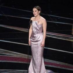 Emilia Clarke presentando un galardón en los Premios Oscar 2019