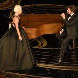 Lady Gaga y Bradley Cooper interpretando 'Shallow' en los Oscar 2019