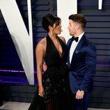 Priyanka Chopra y Nick Jonas posan divertidos en la fiesta de Vanity Fair tras los Premios Oscar 2019