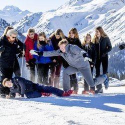 La Familia Real Holandesa, muy divertida en su posado de invierno en Lech