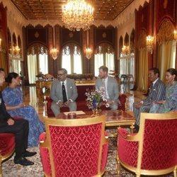 El Príncipe Harry y Meghan Markle con la Familia Real de Marruecos