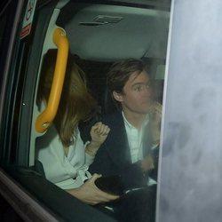 La Princesa Beatriz de York y Edo Mapelli pillados en un taxi
